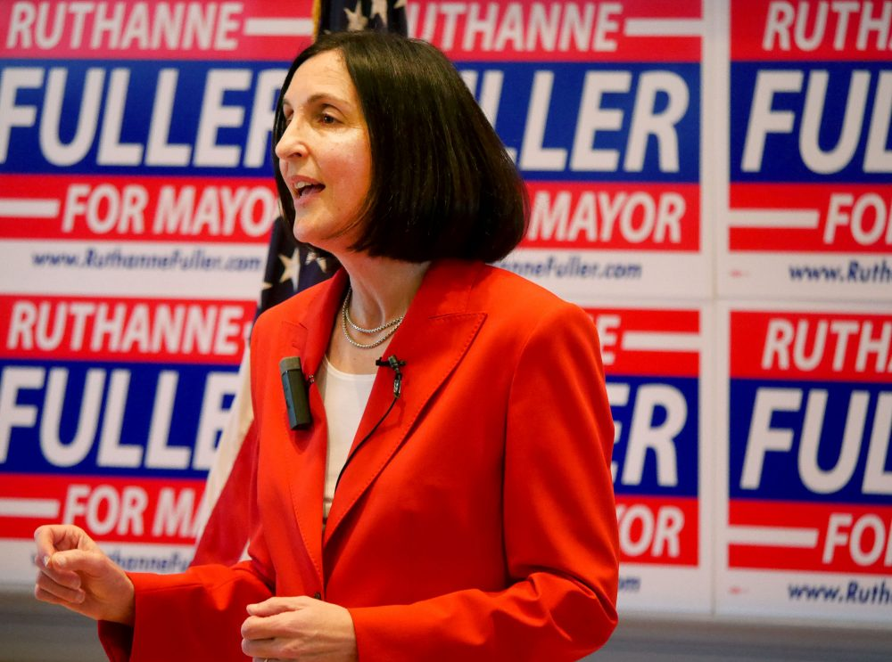 Fuller First to Submit Signatures for Mayor - Ruthanne Fuller